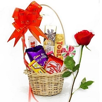 Mini Choco gift basket with single red rose