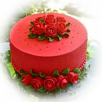 Red Roses On Round Cake