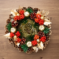 Shiny Christmas Wreath
